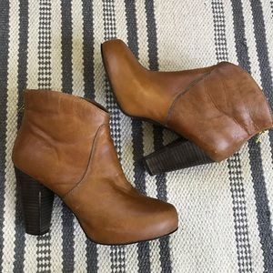 Steve Madden camel ankle boots booties platform